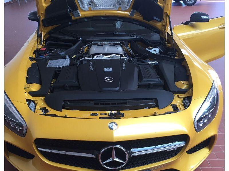 Žlutý Mercedes Benz AMG GT S - instalace antiradaru GENEVO ONE M